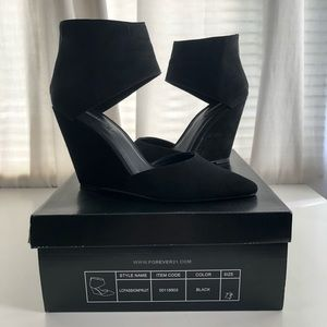 Forever 21 black wedge heels